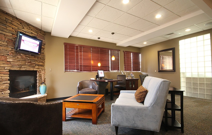 Welcoming waiting room for James Olsen DDS patients